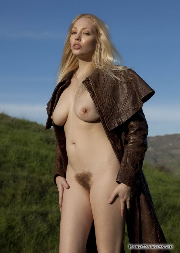 Pictures of women with erect nipples