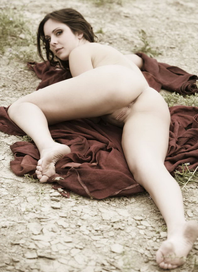 Fat assed babhi nude