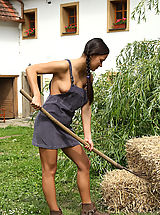 farmers daugter showing tits and pussy