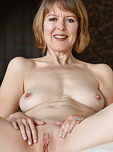 Pussy, Her Mature Style