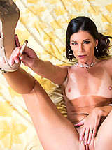 Attractive India Summer gets proper spouse remedies