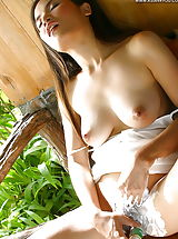 Pussy, Sunny Lee 07b, Hot Asian Lady Shaves Her Hairy Cunt And Inserts Toys