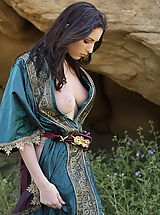 WoW nude carlotta medieval clothing