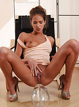 Pussy, Gorgeous brunette playing with the lady snatch